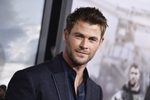 Stop Everything and Watch Chris Hemsworth Dance to Miley's 'Wrecking Ball'