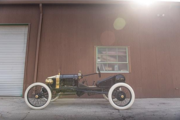 Slide 1 of 36: 1915-Ford-Speedster-1.jpg