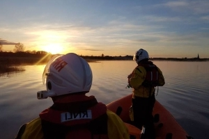 Woman passes away after getting into difficulty while swimming in Lough Ree