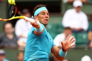 Nadal fights to finish off persistent Bolelli