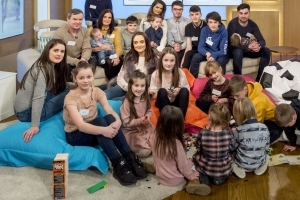 Britain's largest family to welcome 21st child
