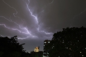 India lightning strikes and winds kill 50