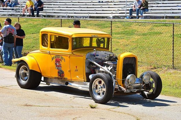 Slide 36 of 376: 036-Greer-Dragway-HOTROD-Revival.jpg