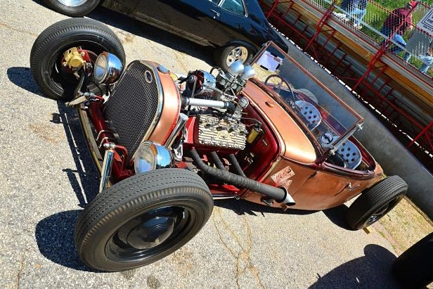 Slide 5 of 376: 005-Greer-Dragway-HOTROD-Revival.jpg
