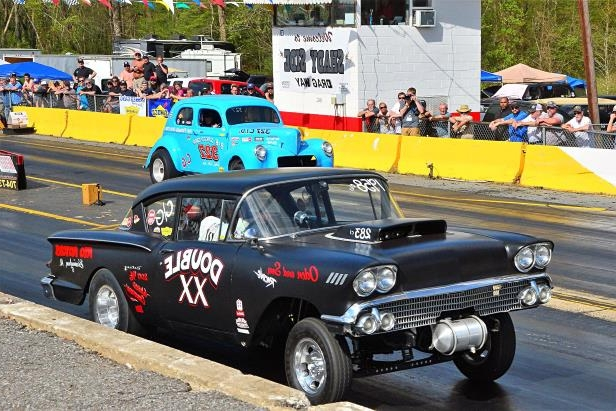 Slide 52 of 376: 052-Greer-Dragway-HOTROD-Revival.jpg