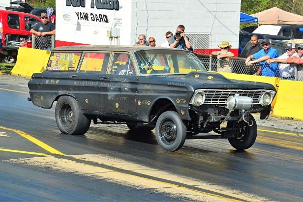 Slide 55 of 376: 055-Greer-Dragway-HOTROD-Revival.jpg