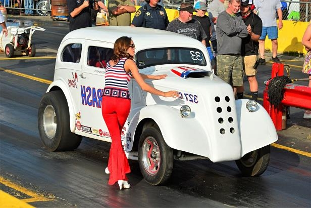 Slide 75 of 376: 075-Greer-Dragway-HOTROD-Revival.jpg