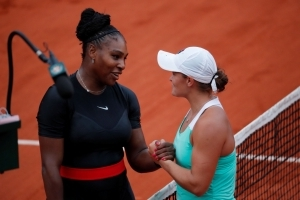 Serena Williams Fights Back to Win Second Round Match at French Open