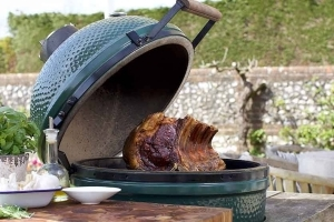 Why Is Everyone Obsessed With The Big Green Egg?