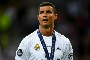 Ex-Real Madrid boss claims Ronaldo has heart set on Man Utd return