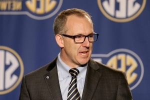 SEC passes changes to intra-conference transfer rules, players no longer must sit out a year
