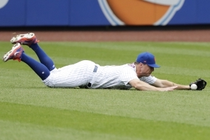 Cubs complete 4-game sweep of lifeless Mets