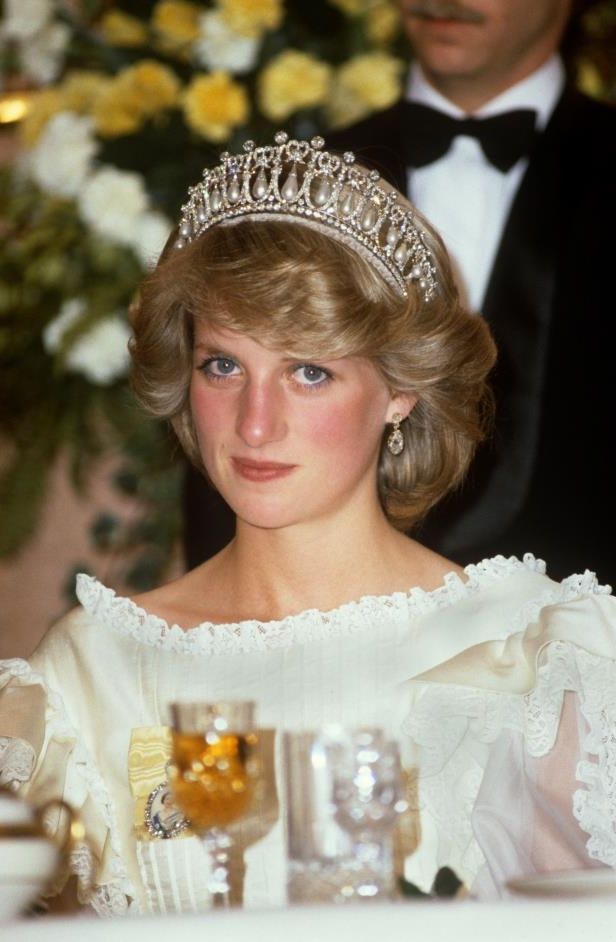 Princess Diana at a State Banquet in Auckland, New Zealand in April 1983, wearing the Lover's Knot tiara.