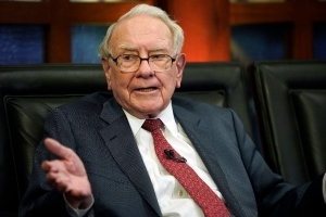 Lunch with Warren Buffett sells for $3.3 million at auction