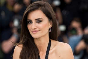 Penelope Cruz calls for sexual assault case against Woody Allen to be re-opened
