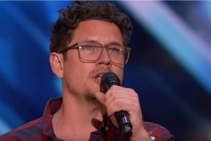 'America's Got Talent': Father of 6's Incredible Voice Earns a Standing Ovation -- And a Golden Buzzer!