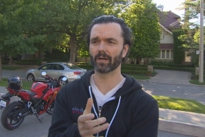 Distracted driver hits Toronto actor, appears to drive away from scene while on phone