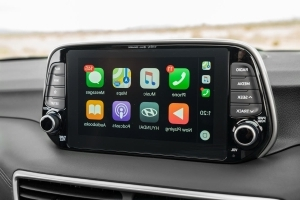 Soon Apple CarPlay Will Let You Use Google Maps