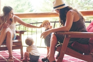 7 Essential Tips for Vacationing With Other Families