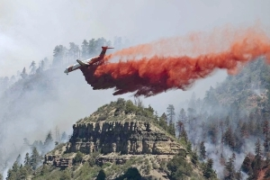 The Latest: Southwestern Colorado wildfire still expanding