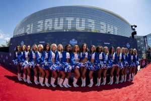 Ex-Cowboys cheerleader suing the team for unfair labor practices