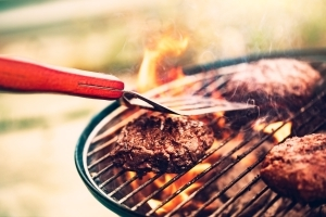 Grilling Your Meat With THIS Herb Reduces the Risk of Carcinogens