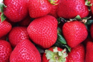 How to Pick Strawberries at the Store That Aren't Mushy or Bland