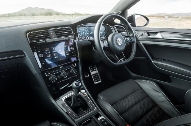 Slide 22 of 94: 2018-Volkswagen-Golf-R-cabin.jpg