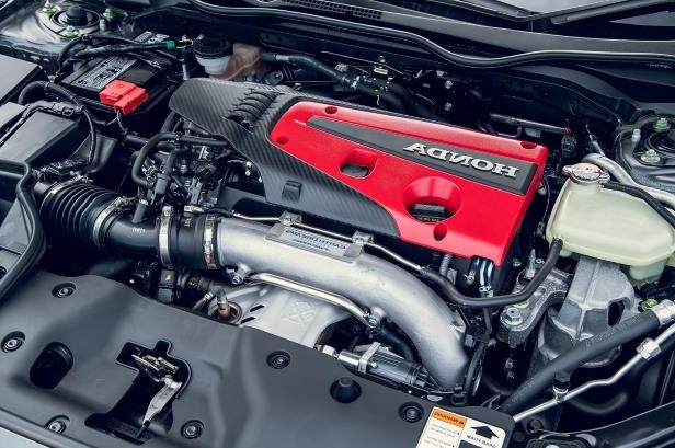 Slide 34 of 94: 018-Honda-Civic-Type-R-engine.jpg