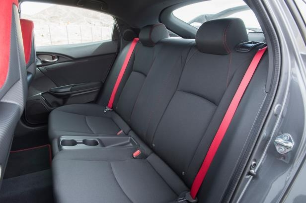 Slide 79 of 94: 2018-Honda-Civic-Type-R-interior-rear-seats.jpg