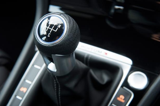 Slide 85 of 94: 2018-Volkswagen-Golf-R-interior-gear-shifter.jpg