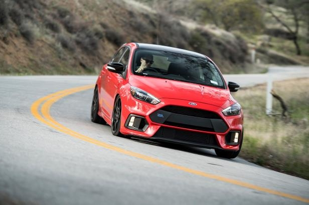 Slide 91 of 94: 2018-Ford-Focus-RS-on-road.jpg
