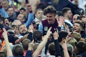Tottenham rival Chelsea with £15m bid for Grealish
