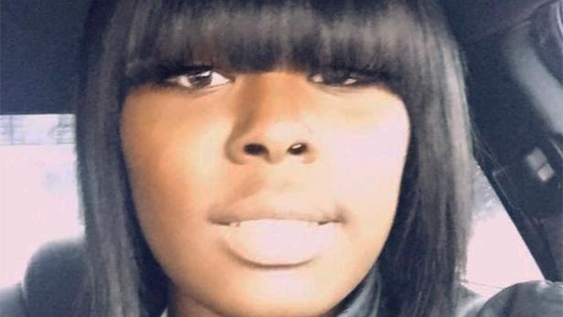 a woman wearing a red and black hair: Porsha Owens, 28, was killed Monday morning outside her home in St. Louis County, police said.