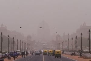 Delhi likely to stay hot, dusty polluted till Friday: Official