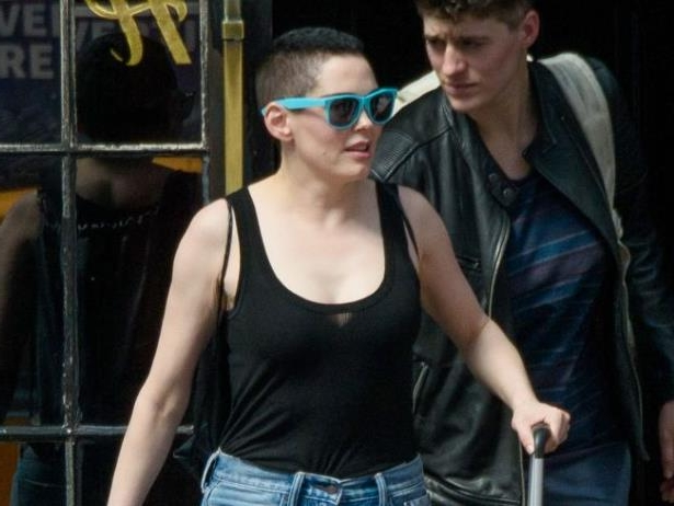 Diapositive 3 sur 9: Exclusif - Rose McGowan sort d'un hôtel à New York, le 2 mai 2018.