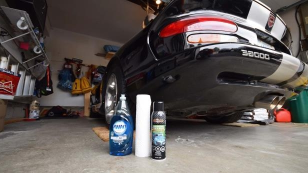 Dodge Viper GTS and Cleaning Products