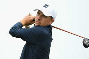 Spieth endures shocking Shinnecock start as U.S. Open begins