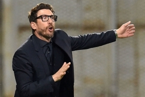 Roma signs coach Di Francesco to 2-year contract extension