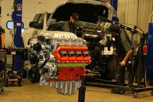 Enthusiasts: Ultimate Mopar Swap- Installing a 700hp Hellcat Crate