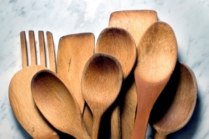 Are Wooden Spoons the Best Stirring Option?