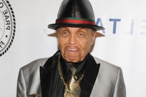 Joe Jackson is on his deathbed