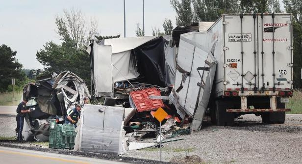 Canada: Windsor man dies, Highway 401 closed after deadly