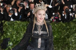 Madonna's love letter to female video model up for auction