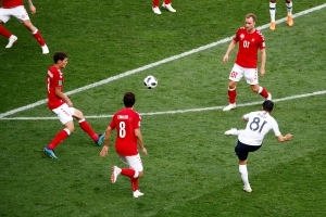 Scoreless draw helps France, Denmark advance at World Cup