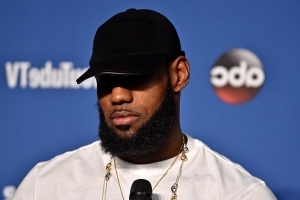 Report: LeBron James' camp has 'pretty much denied' every rumor