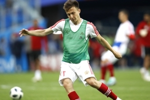Chelsea's pursuit of Golovin throws Seri deal into doubt