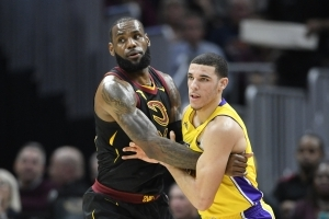 Report: Lakers have 'inside track' to signing LeBron