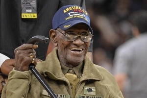 Thieves drain bank account of America's oldest veteran