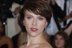 Scarlett Johansson Responds To Backlash For Being Cast As Trans Man In 'Rub & Tug'
